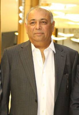 Muhammad Tahir Lakhani (MD, DTA Dubai, UK, USA and Malaysia) –Personal and Career Details