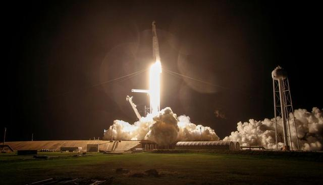 SpaceX propels record number of spacecraft in a cosmic rideshare program