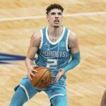 Charlotte Hornets freshman LaMelo Ball endures broken right wrist, purportedly expected to miss rest of season