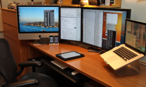 How Having Multiple Monitors Can Help With Day Trading